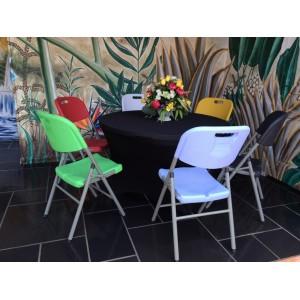 4 Chaises pliantes de couleur en HPDE